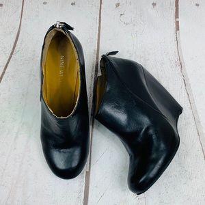 Nine West Shoes - NINE WEST black wedge booties 6-M